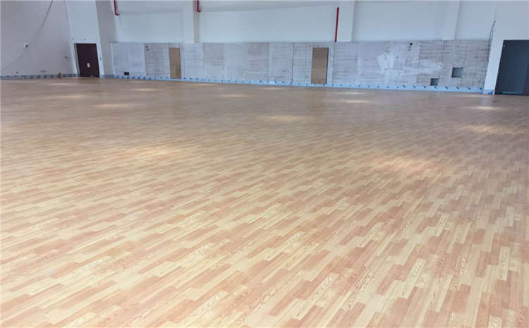 影响体育场木地板价格的因素