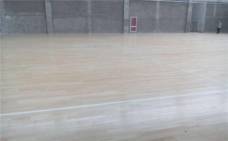 运动木地板安装验收