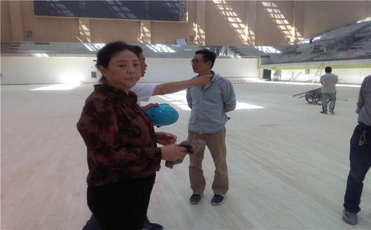 篮球场馆木地板