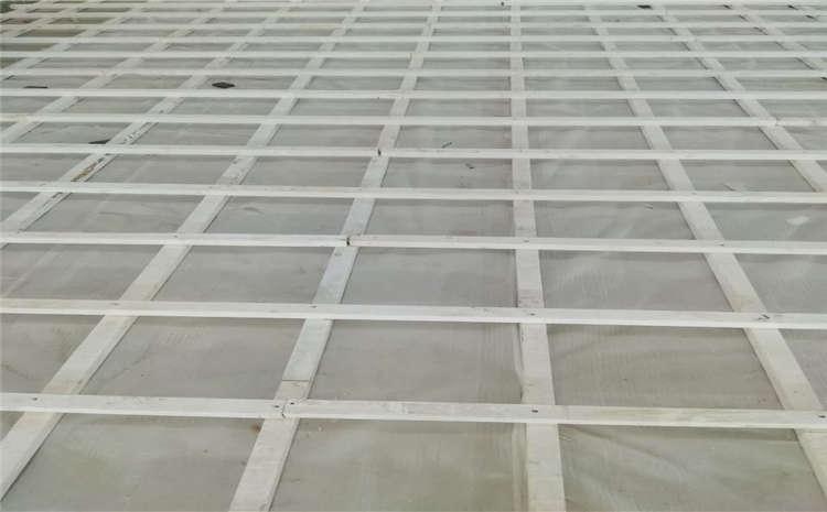 篮球场木地板选择枫木材质的原因是什么