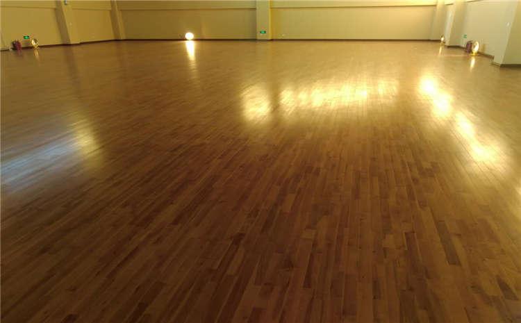 篮球场实木运动地板如何画线